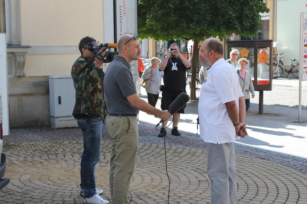 Interview mit Riesa TV. Foto: Olaf Hentschel