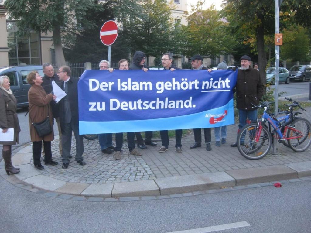 Dresdner Protest gegen einen Auftritt des Ex-Bundespräsidenten und seine hanebüchenen Aussage
