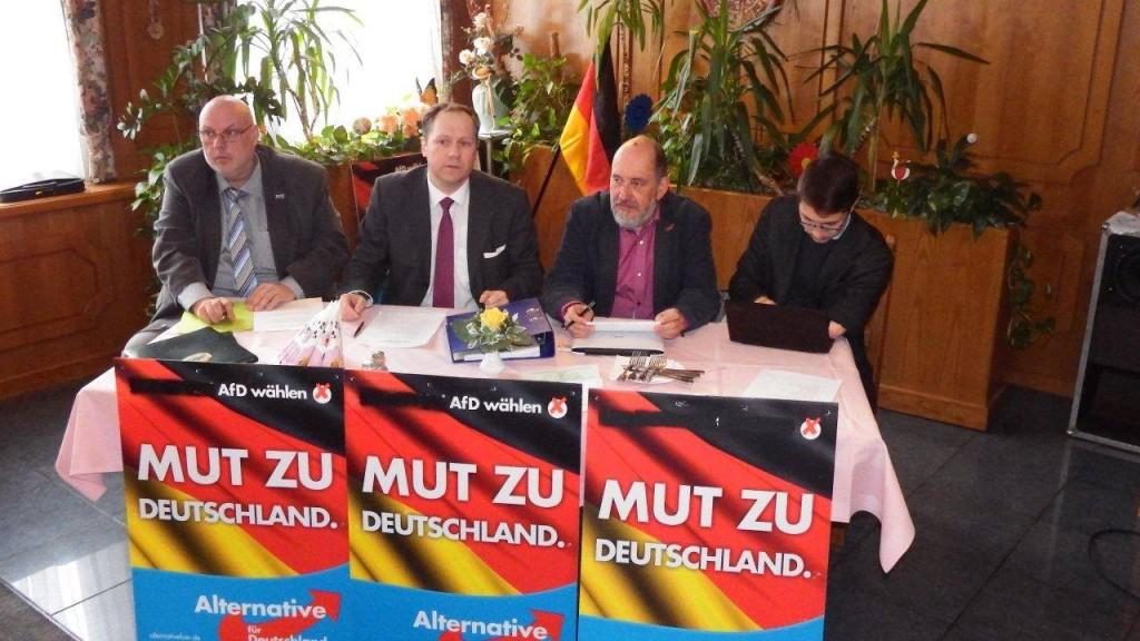 Versammlungsleitung beim KV SOE in Pirna. Foto: Tobias Fuchs