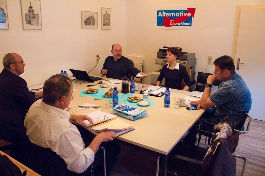 Landesvorstandssitzung in Dresden-Neustadt - heute sind es 12 Vorstände, damals war vieles einfacher, Foto: Susanne Hermann