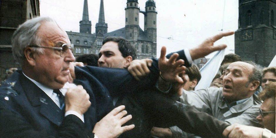 Kohl-Protest in Halle, 10.05.1991. Quelle: http://www.mz-web.de/image/24030752/2x1/940/470/69b5804fe742d89ead337e1c771ced6/pj/71-99277123--null--09-05-2016-21-26-57-448-.jpg