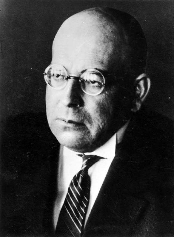 Oswald Spengler. Quelle: https://upload.wikimedia.org/wikipedia/commons/a/ae/Bundesarchiv_Bild_183-R06610%2C_Oswald_Spengler.jpg