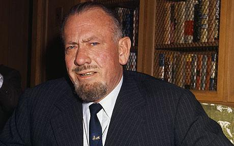 John Steinbeck. Quelle: https://secure.i.telegraph.co.uk/multimedia/archive/01739/JohnSteinbeck_1739580c.jpg