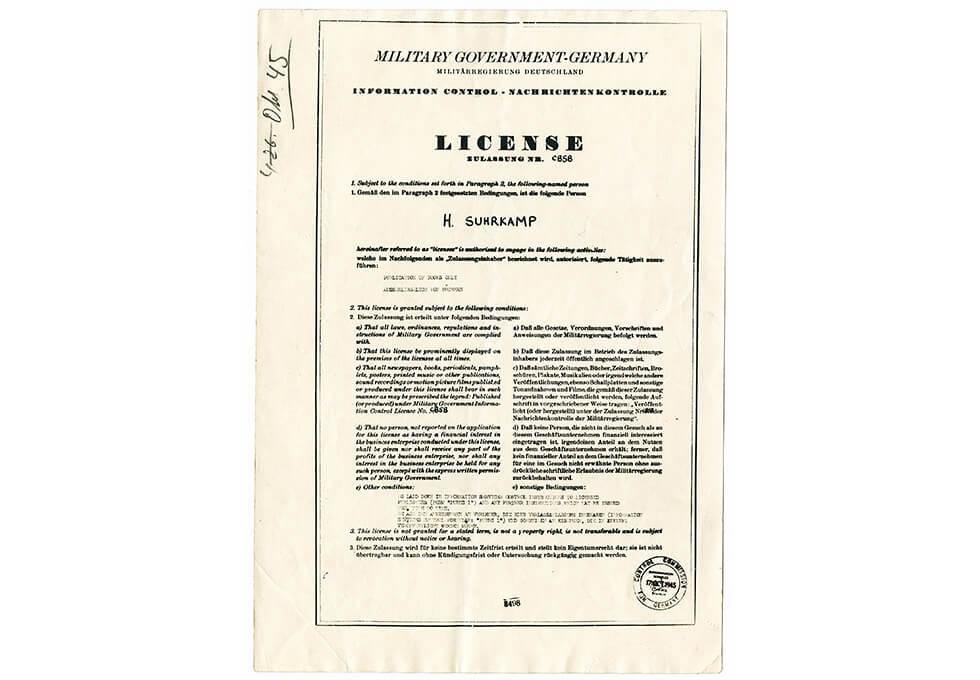 Verlagslizenz. Quelle: https://suhrkamp-forschungskolleg.de/wp-content/uploads/dla-slider-verlagsgeschichte-ZAS-1945-Verlagslizenz-ZAS-D20110919-7-1-1600x1110.jpg