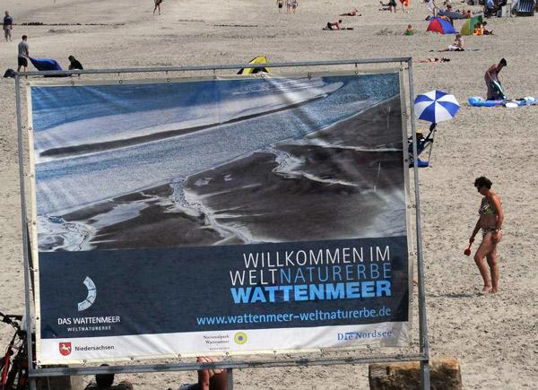Welterbe Wattenmeer. Quelle: https://www.wattenrat.de/wp-content/uploads/2010/12/Welterbe-Schild.jpg